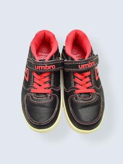 Baskets Umbro - P.19